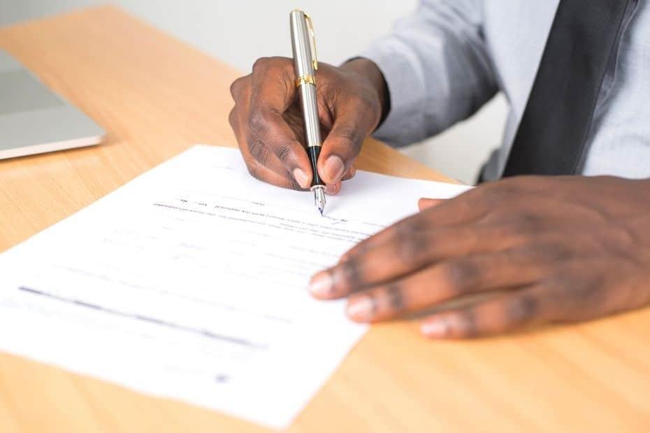 Man filling in EPIK Application form