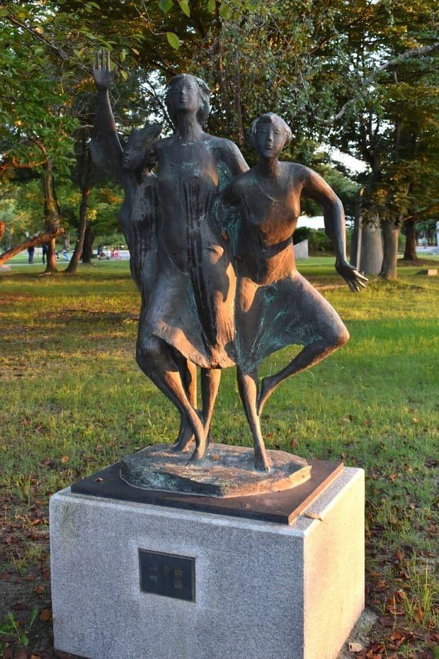Statues in Gudeurae Sculpture Park, Buyeo